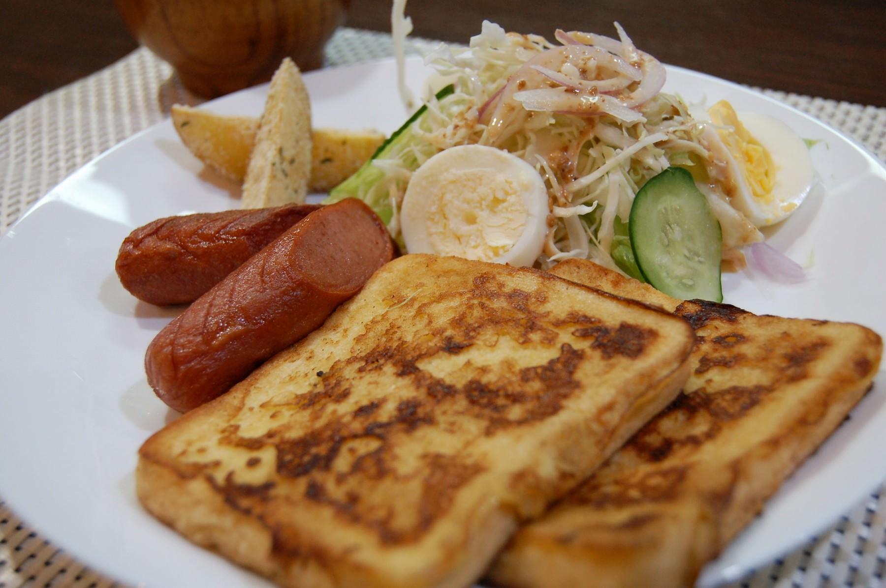 French Toast Breakfast Combo (2427)