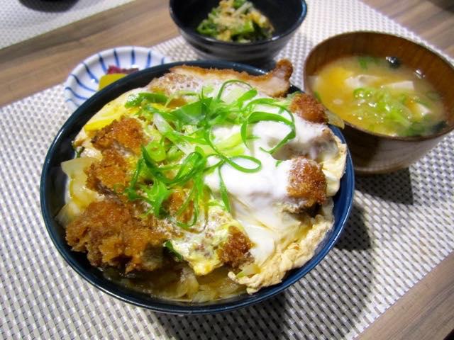 Pork Cutlet Rice Bowl (2114)