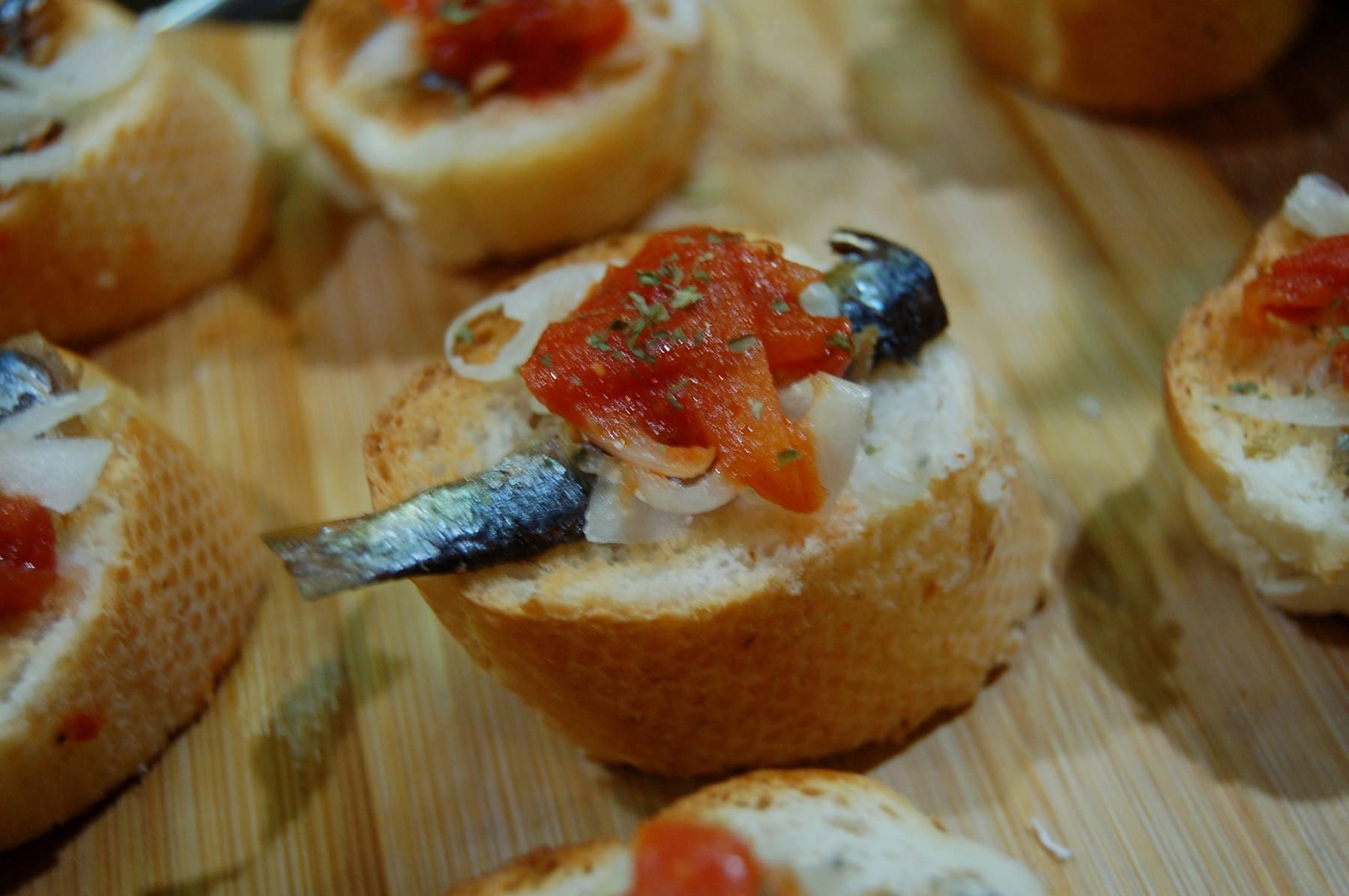 Sardine with Tomato Sauce Open Sandwich (2694)