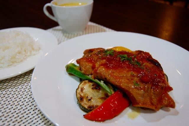 Sauteed Pork Tomato Sauce with Grilled Summer Veggies (2083)