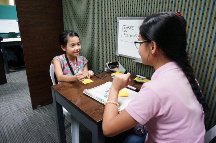 英語を学びにフィリピンへ! Talkativeになったね!と言われるほど、マンツマーマンで話せるHowdyの親子留学とは!?