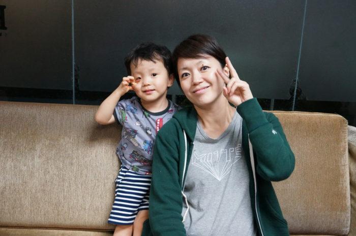 子どもの英語力のためにお母さんも頑張る! 2人の会話でも英語を取り入れよう!